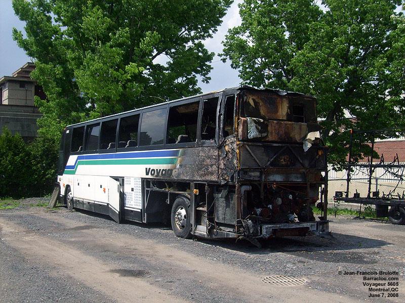 Les restes de l'autobus Voyageur 5605