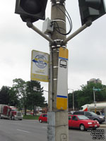 Panneau d'arr�t d'autobus HSR and Burlington Transit Route 101 bus stop signs