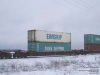 Eimskip and China Shipping containers