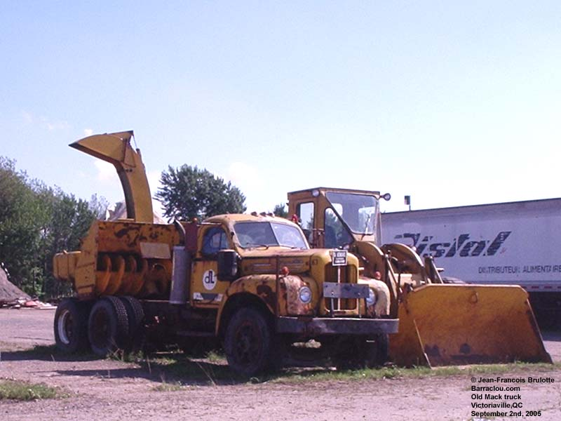 Old Mack Trucks 37